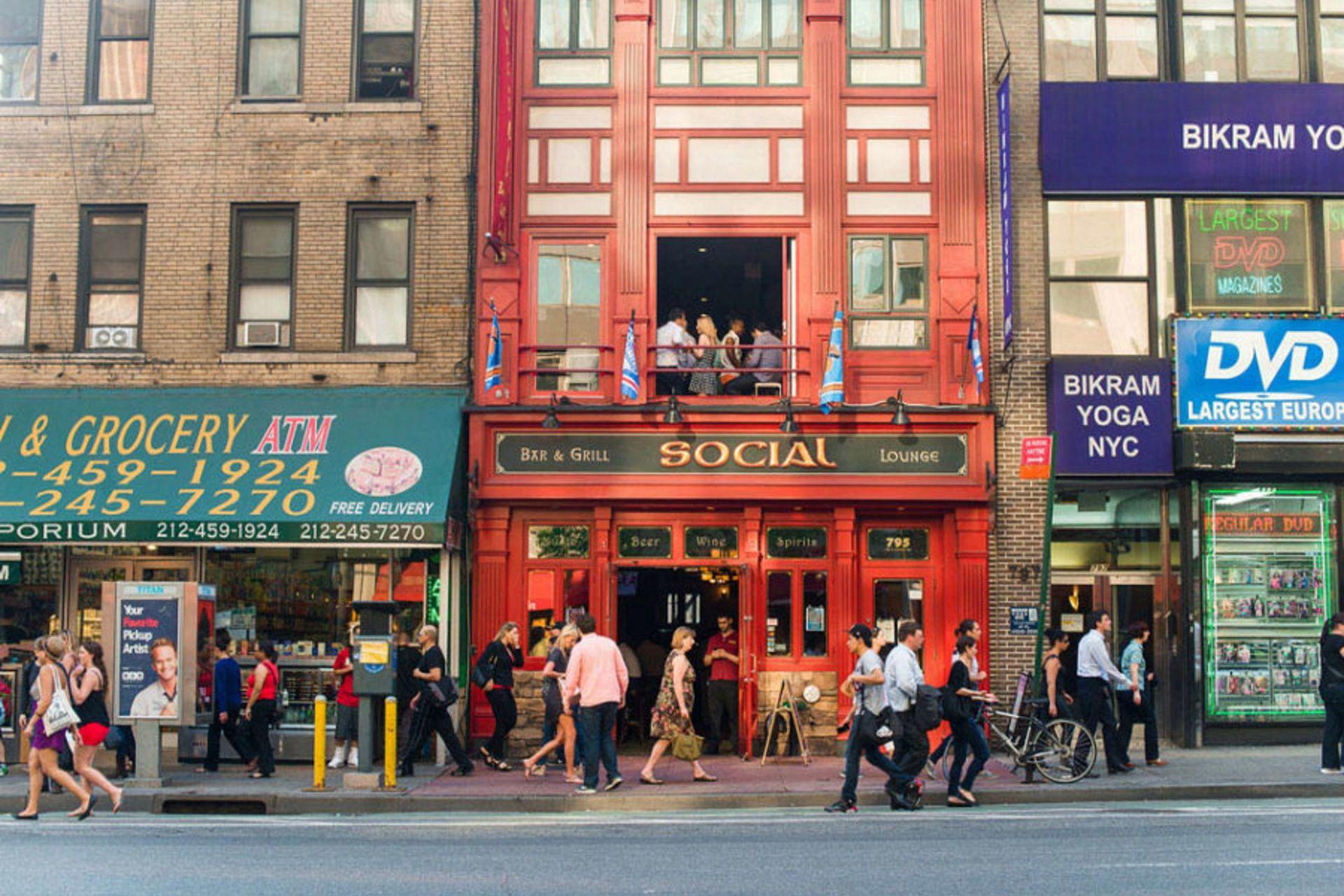 Midtown Manhattan Restaurants Dining Skyline Hotel